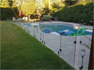 Barriere-de-piscine-en-verre