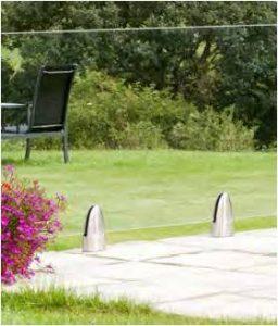 pied-fixation-au-sol-barriere-de-piscine-en-verre