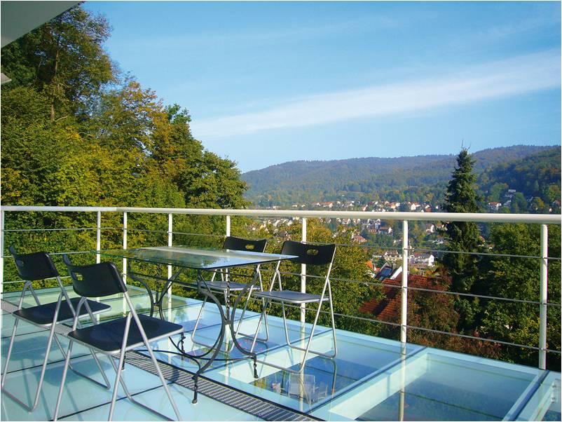 Terrasse avec dalle de sol en verre transparente