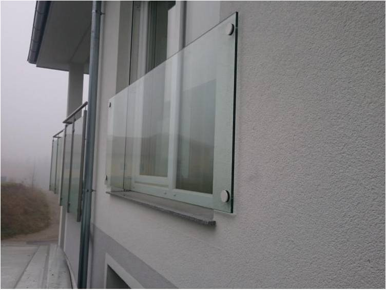 Balcon à la française en verre feuilleté trempé avec fixation murale
