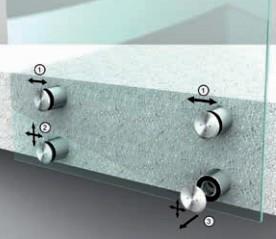 Réglage des fixations pour garde corps en verre